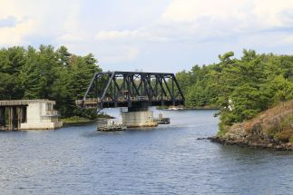 22 - Island Cruise Schwingbrücke