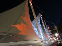 14 - canada place by night