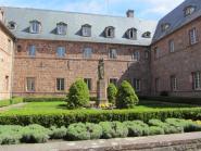 9 - Innenhof