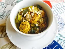 Courgette and meatballs curry.