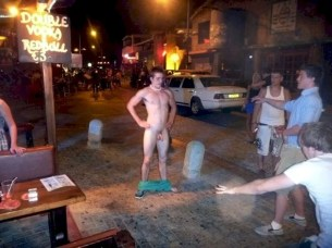Hanging Out with SF's Naked Guys Pics