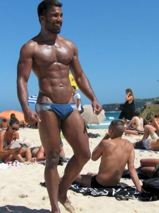 hot gay sexy guy at muscle beach