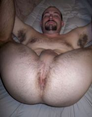 my bf likes to lick his hairy asshole :S