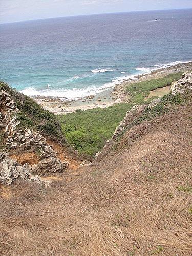 錯落在海岸的岩石
