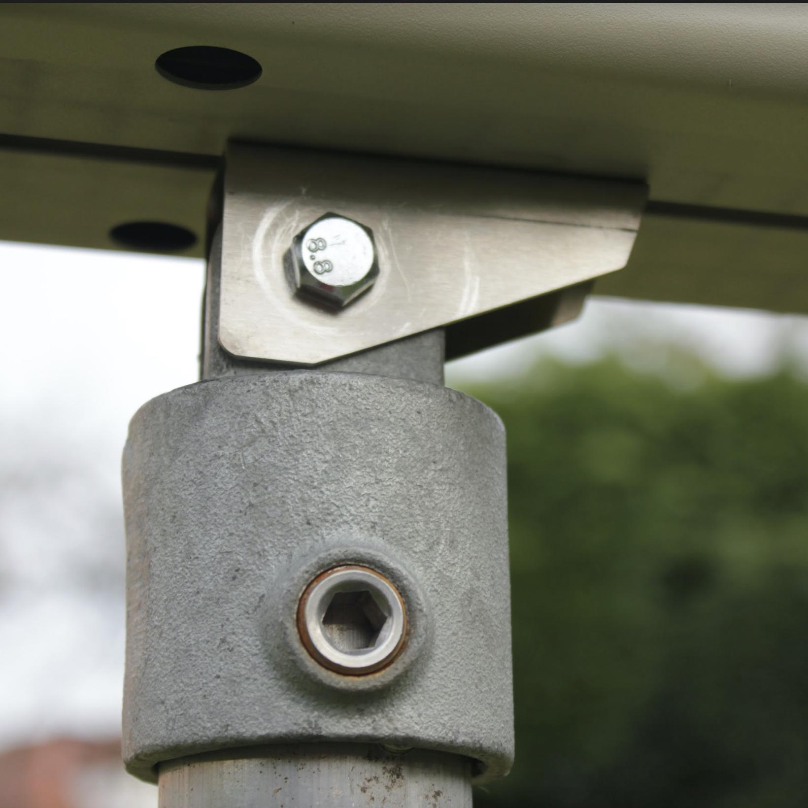 Argus scaffolding pivot mount