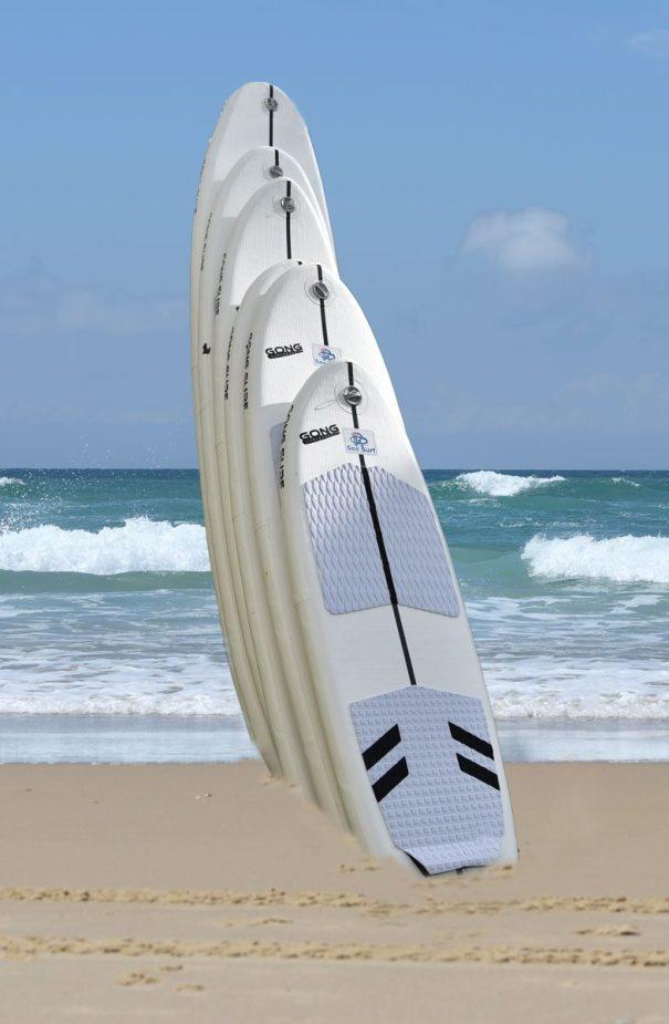 Les nouvelles planches de surf gonflables de la marque Gong (couleur : blanche)