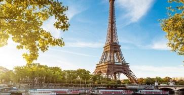 Paris-airport-Paris-Eiffel-Tower