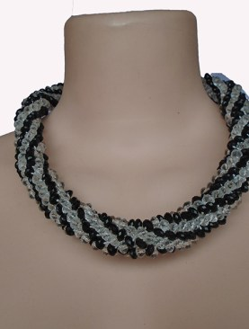 Women's glass bead necklaces-Black|White.