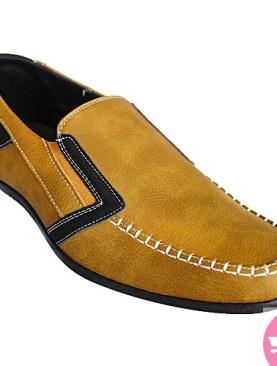 Men's moccassin shoes