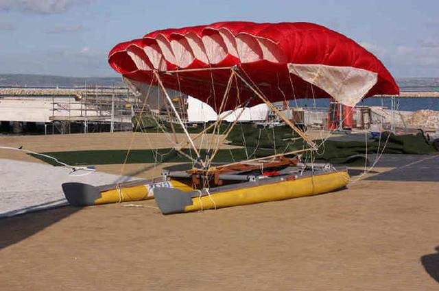 Teilnehmer bei der Speed Week. Schnell sieht die Gummiflitsche nicht aus. Ob sie fliegt? © Weymouth Speed Week