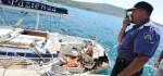 Die zerstörte italienische 42 Fuß Yacht, auf der ein italienisches Segelpaar den Tod fand.