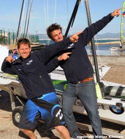 Tobias Schadewaldt und Hannes Baumann machen die Bolt-Pose. Bronze beim Weltcup im Olympiajahr ist ein riesiger Erfolg. © Könitzer