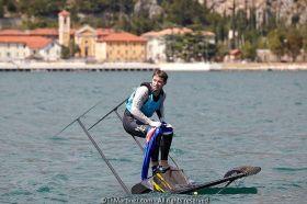 Erschöpfter Weltmeister. Der Titelkampf kostete ihn offenbar einen Schuh. ©Th.Martinez/Sea&Co