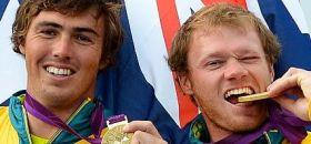 Nathan Outteridge (r) holte mit Iain Jensen überlegen 49er Olympiagold und kann nun den Erfolg als neuer Artemis Steuermann vergolden. © onEdition