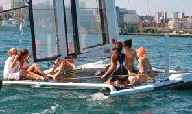 Frauen Ausflug am Labour Day auf dem Little America's Cup Siegerboot. © Team Canaan