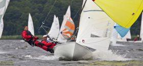 Lüdtke/Schäfers geben Vollgas mit ihrem Flying Dutchman. © Ralph Linow