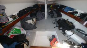 Nicht genug aufgeräumt unter Deck der Varianta 18? Schlechte Seemannschaft? © Digger Hamburg