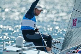 Ben Ainslie sagt dem Olympischen Segeln Servus. © onEdition