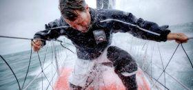 Alex Thompson in Aktion auf dem Vorschiff. © Christophe Launay