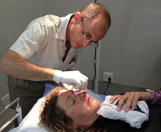 Zara Davis nach ihrem Sturz im Krankenhaus.