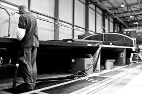 Das Deck des neuen Volvo Ocean Racers wird bei Multiplast in Frankreich gefertigt. © AGATHE ARMAND/Volvo Ocean Race