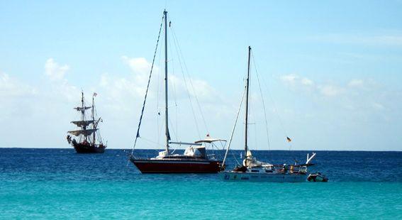 Blauwasser-Ankerplatz in der St-James-Bucht vor Barbados.