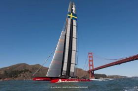 Artemis unter der Golden Gate Bridge