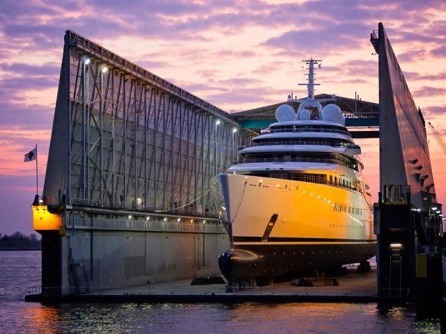 Die größte Yacht der Welt i