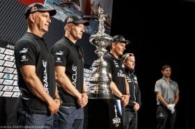 Die Protagonisten des Cup Matches. V.l.: John Kostecki (USA), James Spithill (AUS), Dean Barker (NZL), Glenn Ashby (AUS). © ACEA/Gilles Martin-Raget