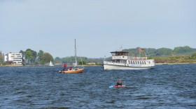 Murphys Law in Form eines Ausflugsschiffes
