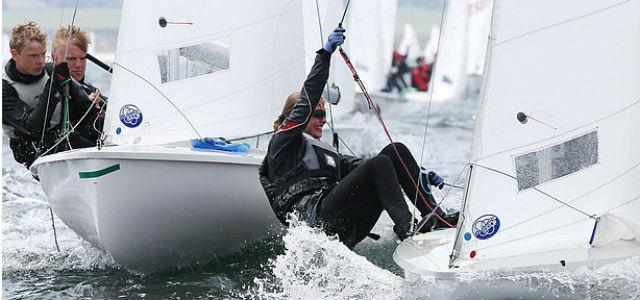 YES - die Jugend mit viel Spaß und Eifer auf dem Wasser © www.segel-bilder.de
