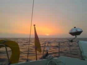 boat of the rising sun (oder geht sie unter , die Sonne?) © aktropak