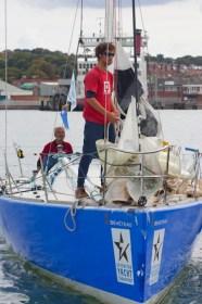 Der Youngster Eilers auf dem Vorschiff, der Skipper am Rohr - die Rollenaufteilung auf der 'Dessert D'Alcyone' hat bestens funktioniert. ©Patrick Eden/RORC