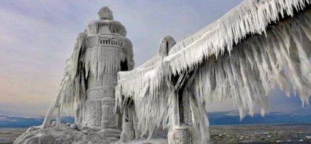 Eisskulptur am Lake Michigan. © Design Dautore