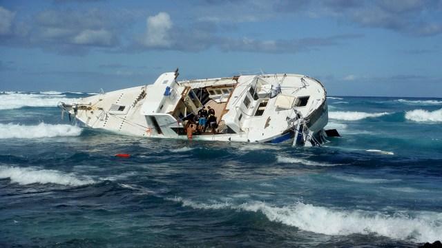 Trauriges Bild: Die Hawaii Aloha wurde auf den Strand gespült. © YWAM Ships