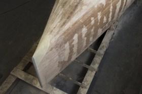 Die schlanke Vorschiffspartie entstand unten aus mehreren Lagen Schaum, der Steven aus Hartschaum © Nicole Werner/Lütje Yachts