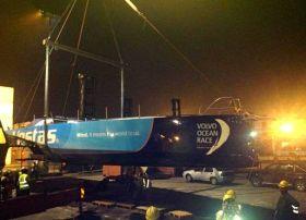 Vestas schwebt auf den nächsten Frachter der nach Genua fährt.