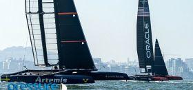 Trainieren schon fleißig auch am Wind im Foilmodus mit neuen AC45: Artemis und Oracle. © Pressure Drop