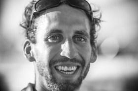 Derzeit einer der erfolgreichsten Hochseesegler der Schweiz: Simon Koster nach der Ankunft bei der Mini Transat 2013, wo er Dritter bei den Serienbooten wurde © mini transat