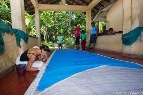 Improvisierte Segelwerkstatt auf Sri Lanka © colloud