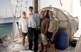 """Zusammen 258 Jahre jung: Die Crew der """"Antiki"""" nach der Atlantik-Überquerung © rex"""