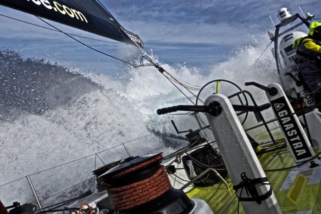 Brunel im aufgewühlen Wasser. © Stefan Coppers / Team Brunel / Volvo Ocean Race
