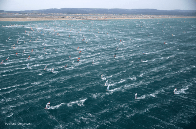 Über 1.200 Surfer am Start – irre! © windmag/defi wind