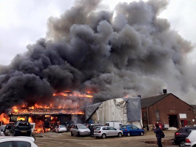 Feuer, Großbrand, Yachten zerstört
