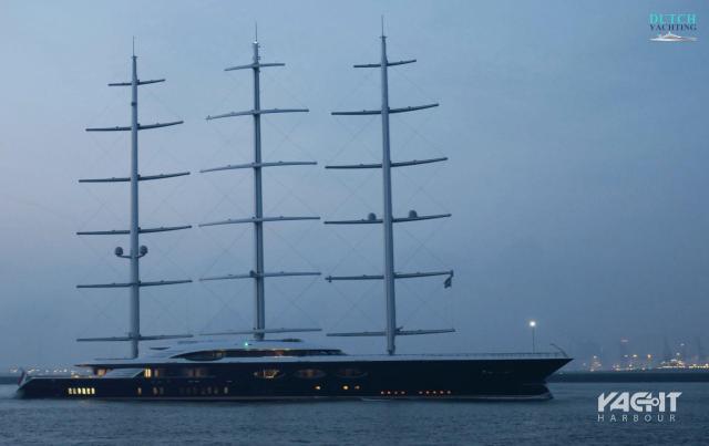 Black Pearl, Megayacht