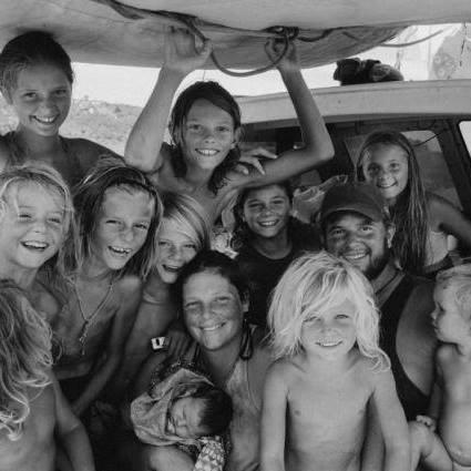 11 Kinder, Familie, Weltumseglung