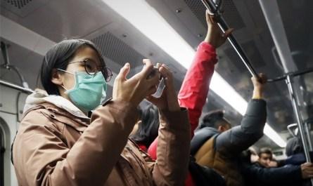 В Москве задержали пранкера, разыгравшего приступ от коронавируса в метро