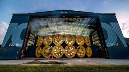 Инженеры построили самый большой вентилятор для симуляции ураганов [ВИДЕО]