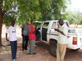 Une formation de bloging par Internet mobile et par sms dans les villages maliens  (2/4)