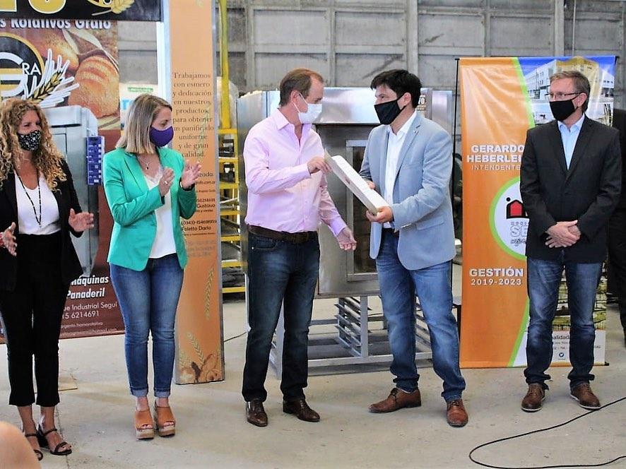 Bordet entregó aportes nac para obras en el Parque Industrial de Seguí